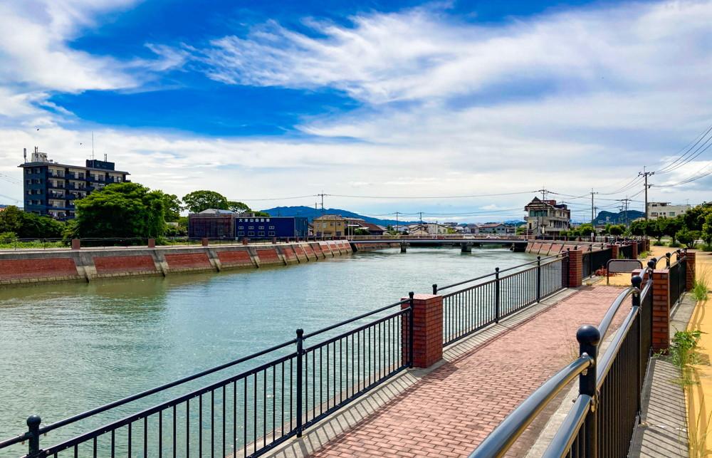 【大牟田市西港町1丁目】なにやらレトロな雰囲気の場所【諏訪川橋】